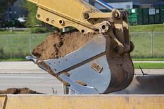 MGI Construction Earthmoving Project Canada Post (Nathan Medcalf Freelance) Tags: construction caterpillar volvo mgi earthworks canada post burlington