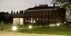 Kensington Palace (Jayfredem) Tags: london england sony rx100 m3 night park goldenwedding