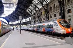 Colorful (Fnikos) Tags: train trainstation estaciódefrança building architecture people indoor outdoor