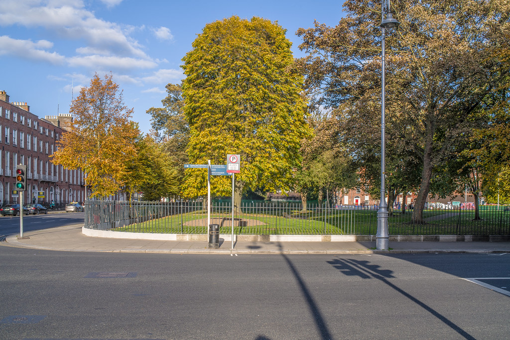 A QUICK VISIT TO THE MOUNTJOY SQUARE AREA [DUBLIN]-144903