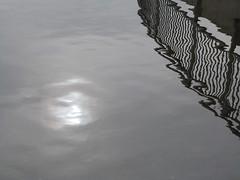 A16379 / lake merritt reflecting (janeland) Tags: oakland california 94610 lakemerritt reflection december 2017 abstract noncoloursincolour sooc grey