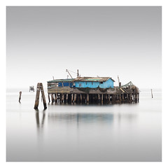 Capanna VIII (Vesa Pihanurmi) Tags: capanna hut piles fishing sea lagoon venezia venice italy minimalism fog longexposure lagunaveneta venetianlagoon architecture shack