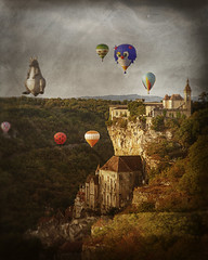 ROCAMADOUR 2018 ( France), les Montgolfiades (manchon.francois99) Tags: montgolfiaires rocamadour france occitanie pittoresque sites fabuleux hotairballoon recreation airship sun performance