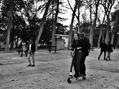 image (Luis Iturmendi) Tags: scooter bw blancoynegro blackandwhite monochrome monocromo people gente