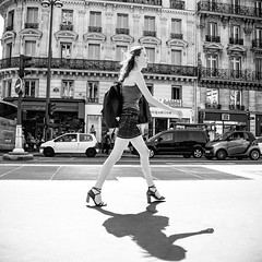 Parisienne II (mouzhik) Tags: 1500sf8iso500 15mm m10 eosm10 canon efm1545mmf3563isstm 1545mm canonefm1545mmf3563isstm noiretblanc nb schwarzweis monochrom blackandwhite bw monochrome blancoynegro blanconegro biancoenero bianconero parisienne pariserin parisian parisina parigina парижанка parisiense photoderue photographiederue strasenfotografie streetphotography צילוםרחוב yличнаяфотография ストリートスナップ стритфотография تصويرالشارع fotografiadistrada fotoderua fotografíacallejera мужик moujik mouzhik muzhik zemzem mujik paris parís 파리 париж 巴黎 парыж פריז pariisi パリ párizs parîs باريس parys parizo парис paryż παρίσι پاریس parijs