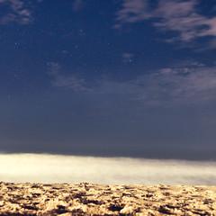 DSCF1176-1 (renata_souza_e_souza) Tags: macae rj pecado lagoa night sky november clouds stars longexposure beach sea waves sand brasil brazil
