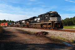 NS 180 (Steve Hardin) Tags: locomotive engine emd sd70ace norfolksouthern railway railroad railfan manifest freight train seney georgia