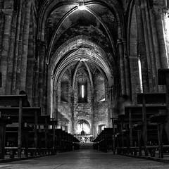 la nef romane de Saint Victor (JP13009) Tags: nef abbaye saintvictor marseille nb bw nave romanesque