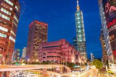 台北 / 101 / TAIPEI 101 (Chester photography .) Tags: taiwan taipei road night light colors bright city car