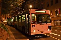 Trolleybus NAW BT-25 n°782 en service sur la ligne 17. © Marc Germann (Marc Germann) Tags: trolleybus naw bt25 remorques convois transportspublics transn hess articulé easyjet lausanne hockey club lhc fbw nuit musée transport mercedescitarobenz nawhesssiemens articulation autobus perches par brise routes bus tl transports publics lausannois neuchatelois man arbres retrobus