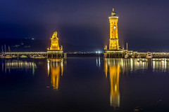 Hafeneinfahrt Lindau (StanBarstow) Tags: leuchtturm lighthouse harbour lindau bodensee lakeconstance waterreflections bluehour