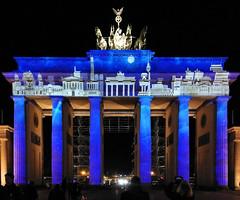 Brandenburger Tor (Gertrud K.) Tags: festivaloflights berlin night nightshot illumination huaweimate9