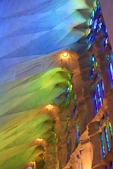 Espagne - Barcelona- la Sagrada Familia (mda'skaly) Tags: sagradafamilia barcelone espagne refelts lumière couleurs gaudi