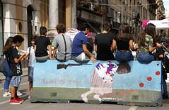 Palermo, Via Maqueda, Poller (bollard) (HEN-Magonza) Tags: palermo viamaqueda sizilien sicily sicilia italien italy italia poller bollard graffito