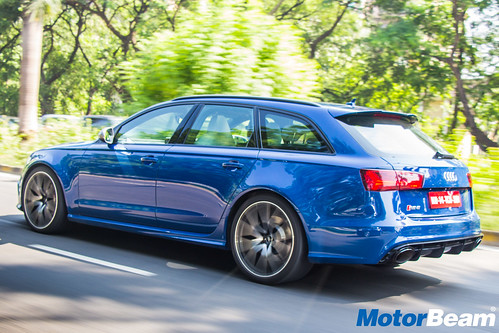 Audi-RS6-Avant-Performance-35