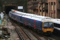 165116, Guildford, February 16th 2017 (Southsea_Matt) Tags: 165116 class165 brel networker turbo first gwr greatwesternrailway guildford surrey england unitedkingdom canon 80d 24105mm february 2017 winter emu electricmultipleunit train railway railroad vehicle passengertravel publictransport