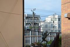 """""""Buji Kaeru"""" Statue and Tokyo Metro 8000 Series Train in 2017 July (ykanazawa1999) Tags: 8000series train statue nagatsuta midoriku yokohama kanagawa japan"""