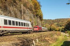 07_2018_10_14_Ennepetal_Gevelsberg_6101_116_DB_mit_IC ➡️ Wuppertal_6101_046_DB_schiebt_IC ➡️ Hagen (ruhrpott.sprinter) Tags: ruhrpott sprinter deutschland germany allmangne nrw ruhrgebiet gelsenkirchen lokomotive locomotives eisenbahn railroad rail zug train reisezug passenger güter cargo freight fret ennepetalgevelsberg ennepetal gevelsberg 0429 5403 6101 6103 6111 9442 db erb nxg radve laub herbstlaub sonne blau himmel outdoor logo natur