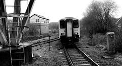Tondu 80696bwcr (kgvuk) Tags: tondu station railwaystation railway tondustation maestegbranch train dmu dieselmultipleunit class1502 150258 arrivatrainswales