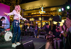 Katelyn Tarver 10/11/2018 #14 (jus10h) Tags: katelyntarver playlisted thegrove losangeles la nylon mag magazine citi privatepass caruso rewards shopping center live music free concert event performance park courtyard female singer young beautiful sexy talented artist nikon d610 2018 october thursday justinhiguchi