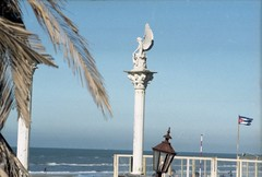 (StayFair) Tags: rolleiflexsl35e rolleinar28mmf28 rolleinarmc135mmf28 sea beach zandvoort netherlands angel agfa vista