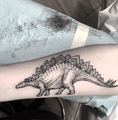 Stegosaurus for Ally. . .. ... . .. #eyeofjadetattoo #eyeofjade #jeremygolden #jeremy_golden #jeremygoldentattoo #blackwork #blackworkerssubmission #darkartists #blacktattoomag #blacktattooart #btattooing #onlyblackart #blacktattoo #blackink #black #linew