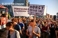 Demonstration: #unteilbar - Für eine offene und freie Gesellschaft – Solidarität statt Ausgrenzung! – 13.10.2018 – Berlin - IMG_8948 (PM Cheung) Tags: grosdemonstration seebrücke rassismus demo demonstration unteilbar berlin kundgebung rechtspopulismus polizei afd neonazis antifa dagegenhaltenblock berlinmitte rechtsruck unteilbarfüreineoffeneundfreiegesellschaft–solidaritätstattausgrenzung 13102018 pmcheung solidaritätsdemonstration amnestyinternational initiativeseebrücke seebrückeschafftsicherehäfen horstseehofer frontex chemnitz prochemnitz nazis alternativefürdeutschland csu mittelmeer missionlifeline refugees flüchtlingspolitik 2018 ypg kurden pomengcheung wwwpmcheungcom antirassistischedemonstration siegessäule protest protestaktion antifaschisten alexanderplatz facebookcompmcheungphotography flüchtlingsproteste flüchtlinge mengcheungpo lifeline refugeeswelcome b1310 antirademo asylgesetzverschärfung seenotrettung flüchtlingshilfe flüchtlingslager libyen koalitionsstreit grenzschutzagenturfrontex aufnahmelager euausengrenzen seawatch rettungsschiff flüchtlingsinitiativen seenotrettern seenothilfe deutschlandlagerland sosméditerranée