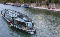 Seine /  Сена (dmilokt) Tags: город city town река river пейзаж landscape dmilokt лодка корабль boat ship nikon d750 paris париж