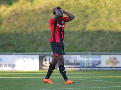 Lewes 2 Folkestone Invicta 0 20 10 2018-305-2.jpg (jamesboyes) Tags: lewes folkestoneinvicta football soccer fussball calcio voetbal amateur bostik isthmian goal score celebrate tackle pitch canon 70d dslr
