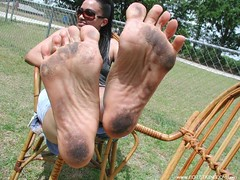 17799352_295568844188546_160012050385502848_n (paulswentkowski1983) Tags: dirty feet soles female pitch black