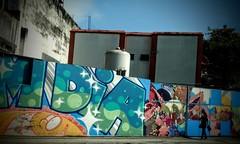 dia de cor (lucia yunes) Tags: rua arteurbana artederua fotografia fotografiaderua fotoderua grafite grafiteiro grafiti streetart streetscene streetphotographie streetshot mobilephotographie mobilephoto urbanart luciayunes motozplay