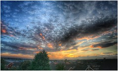 Last light (andystones64) Tags: sunlit sunlight sunset clouds cloudscape cloud sky skywatching weather weatherwatch nature naturephotography rooftops buildings trees panoramic pano scunthorpe lincolnshire northlincolnshire northlincs nlincs