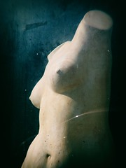 Woman (Calinore) Tags: femme woman nue nude nudity statue