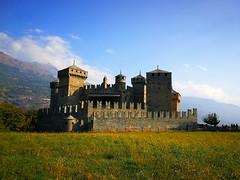 Castello di Fenis (claudiaschmidt2) Tags: castello funes valledaosta montagne italia italien