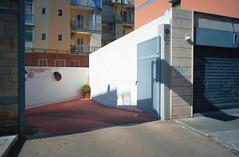 Bari, Puglia, 2016 (biotar58) Tags: bari puglia italia apulien italien apulia italy southernitaly southitaly streetphotography russar20mm56 russar