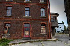 sept-6964 (raymdelmondo1) Tags: lost places old