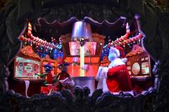 Macy's 2016 Holiday Show Windows (gigi_nyc) Tags: holiday holidayshowwindows holiday2016 christmas christmas2016 showwindow nyc newyorkcity macys