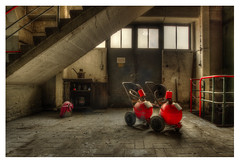 chloro13 (Geert Orange_Crush VP) Tags: urbanexploring urbex abandoned industrial