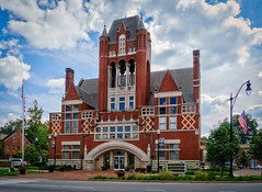 County Courthouse in Bardstown, KY (Tiigra) Tags: bardstown kentucky unitedstates us 2017 architecture column flag grass portal roof town window arch