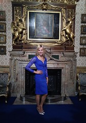 Knowsley Hall, Prescot. 14th October 2018 (paula_1558) Tags: high heels stiletto dress blonde painting pose portrait