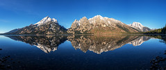 Jenny's Mirror (itsBryan) Tags: sony sonyalpha sonyg sonya7r sonya7r2 sonya7rii sunrise grandteton nationalpark wyoming yellowstone grand teton grandtetonnationalpark park fall lake jennylake reflection carlzeiss panoramic mountains snow roadtrip adventure