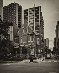 Crawling (ancientlives) Tags: chicago illinois il usa halloween celebration buildings architecture streetphotography sepia blackandwhite bw monochrome mono spider spiders decorations october autumn 2018 wednesday