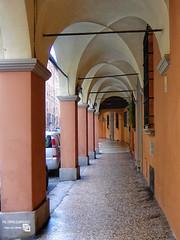 DSCF2348_r (Lancet_) Tags: bologna emiliaromagna street italia città towns paesaggiourbano