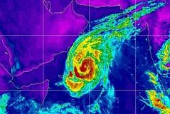 عاصفة 'لبان' تتحول إلى إعصار وتتقدم نحو سواحل عُمان واليمن (nashwannews) Tags: إعصارلبان المهرة اليمن حضرموت سقطرى ظفار عمان