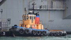 Wyeforce (1) @ The Solent 08-10-18 (AJBC_1) Tags: boat vessel england unitedkingdom uk dlrblog ©ajc hampshire ship shipping ajbc1 thesolent greatbritain gb nikond5300 portsmouth tug tugboat wyeforce itchenmarine stokesbay gosport