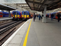 455s at London Waterloo. 5701 leading 2R17, the 0915 circular via Hounslow and 5729 leading 5Y23, the 0907 ECS to Clapham Yard. (Conner Nolan) Tags: 5701 5729 class455 455701 455729 southwesternrailway londonwaterloo