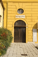 morimondo - municipio (paolopalmaflick) Tags: italy lombardia building color morimondo door gate