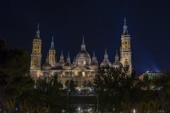 El Pilar (tonygimenez) Tags: catedrales nocturna cielo torres río agua ciudad árbol sony a7ii iglesias