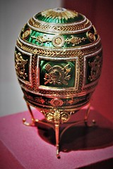 IMG_0723 (www.ilkkajukarainen.fi) Tags: fabergè egg muna metropolitanmuseum gold rosecut diamond newyork russian stpetersburg czhar tsaari platinium ivory metropolitan museum art