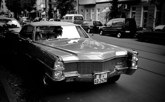 #streetphotography  #street #blackandwhite #bnw #musclecar #germany #berlin #leica #leicam #leicaimages #madeinwetzlar (leonardoringo) Tags: streetphotography street blackandwhite bnw musclecar germany berlin leica leicam leicaimages madeinwetzlar